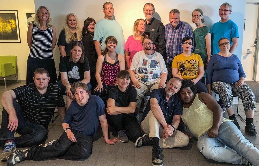 Bild med deltagare och aktiva i projektet.